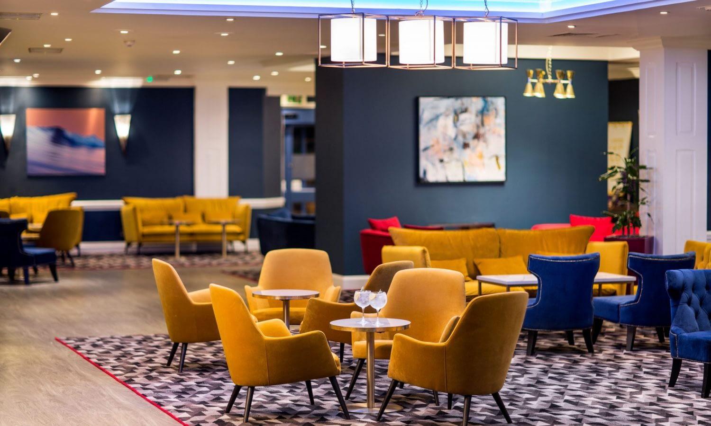 Mercure-Swansea-Hotel-bar-&-lounge-01-hr-210917