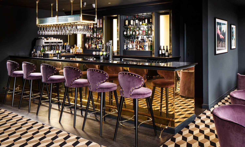 Mercure-Edinburgh-City-Princes-Street-Hotel-Princes-Bar-Detail-08-hr-230818